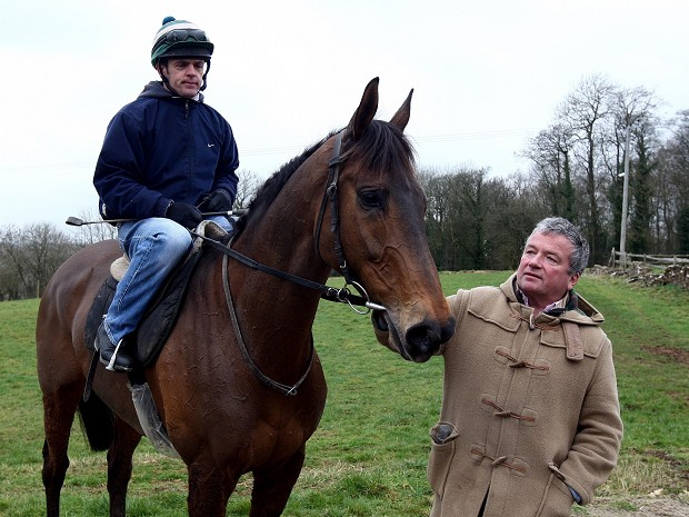 Imperial Commander with trainer Nigel Twiston-Davies