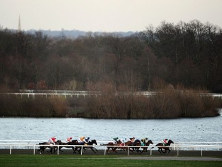 Racing at Kempton