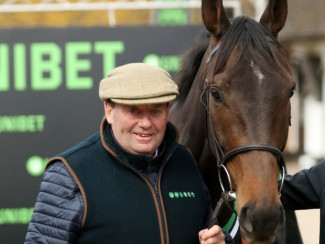 Nicky Henderson poses with Buveur D'Air